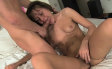 Beauty bounces on throbbing jock after giving deep throat