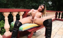 Latina shemale cums outdoors