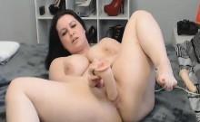 Horny Busty Webcam Babe Masturbate her Vagina