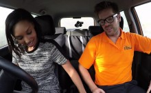 Soft ass ebony bangs in driving school car