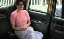 Beautiful amateur bangs in cab