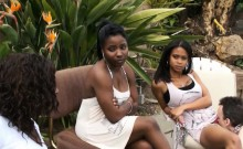 Ebony Chicks Get Oral