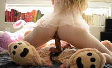 European blonde slut who like to play with her sex toys