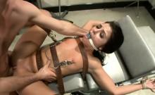 Kinky babe likes to do some BDSM
